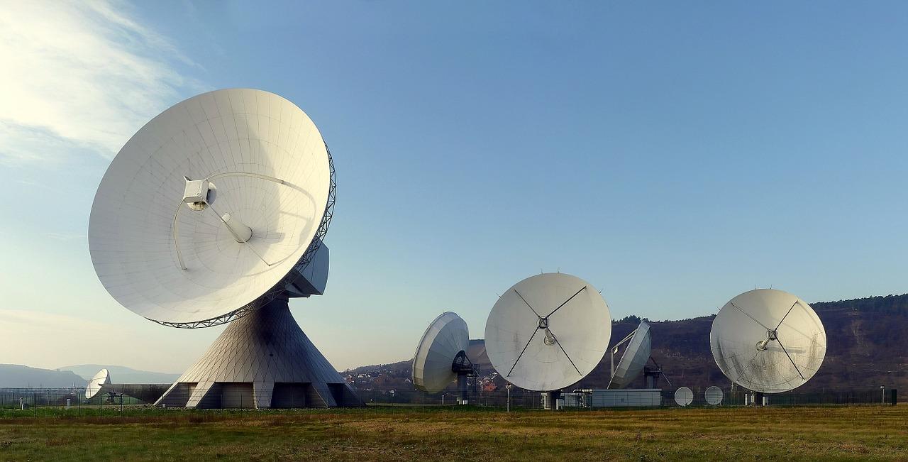 radar-dish-63013_1280